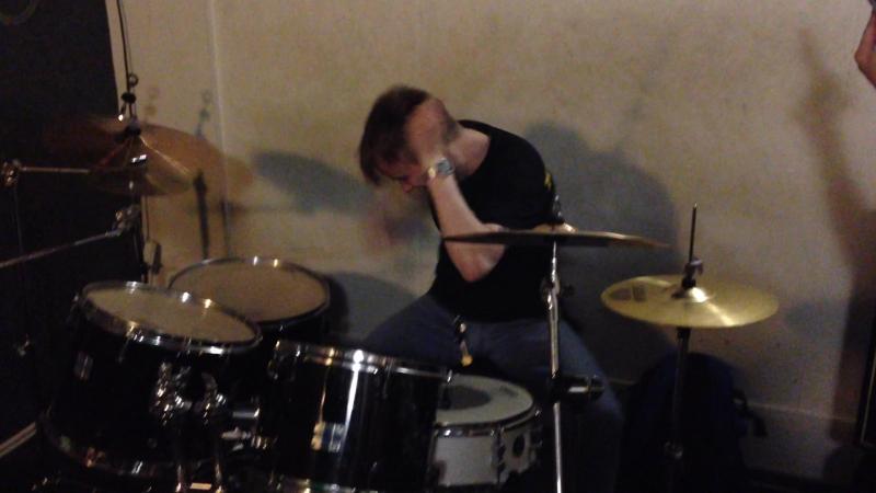 Саня барабанщик виртуоз