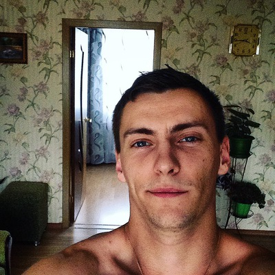 Роман Серов