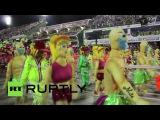 Конкурс-парад лучших школ самбы на карнавале в Бразилии