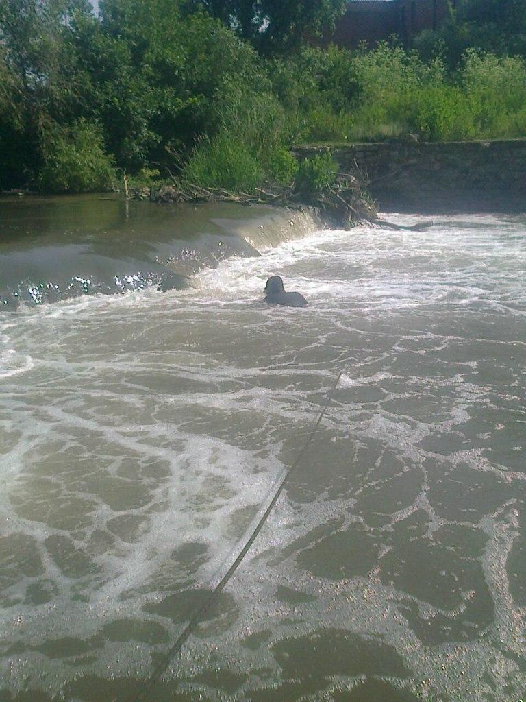 Таганрогские спасатели двое суток искали тело 16-летней утонувшей девушкие