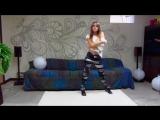 Девушка красиво танцует под разные стили музыки №3