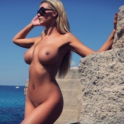 Hot brunette fuck porn