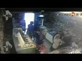 Мужчина расстрелял двух человек у магазина в Подмосковье