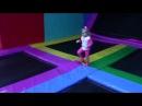 Прыгаем на батуте Маша и Даша в развлекательном центре МЕГАМОЛ ГАЛАКТИКА