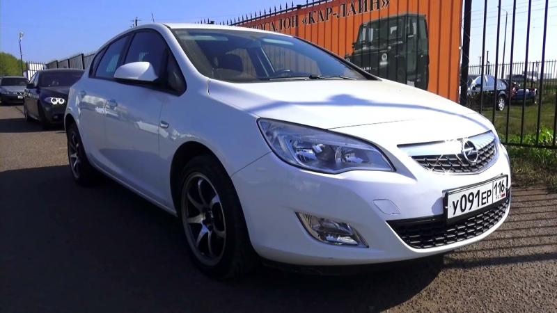 2012 Opel Astra J Hatchback Enjoy. Start Up, Engine, and In Depth Tour.