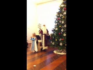 Дочка-снегурочка елка в садике