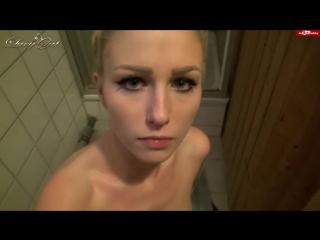 Застукал сестру голой в ванной (русское порно, домашнее, инцест, пьяные, студенты)