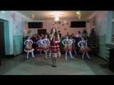 Тетяна Карасьова і танцювальний колектив
