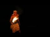 LIGHT PAINTING PUTU TONI STEEL WOOL FIRE BENDER (1)