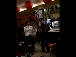 Казачьи песни в ресторане, отмечали новый год с ансамблем.