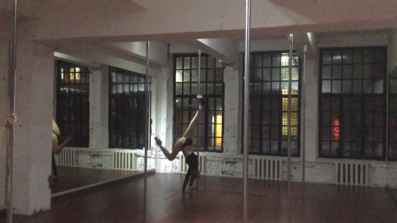 Exotic Pole Dance - Анна Хольс