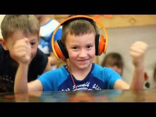 Реакция детей на Dub Step в наушниках Monster Beats*