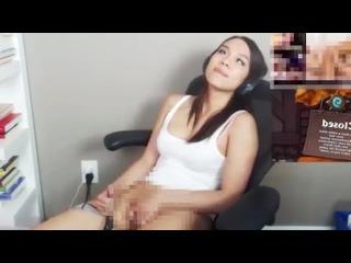 Видео забыла выключить скайп и начала мастурбировать