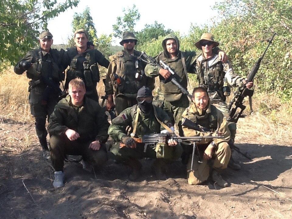«Мужики, когда Горловку бомбить будем?» Доброволец Донбасса рассказал, как ополченцы жили с «Айдаром» в одном здании