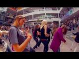 Дискотека Авария и Непоседы _ _Недетское Время_. Потрясающий флэшмоб,когда танцующих детей становится больше и больше. [720p]