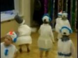танец снеговика