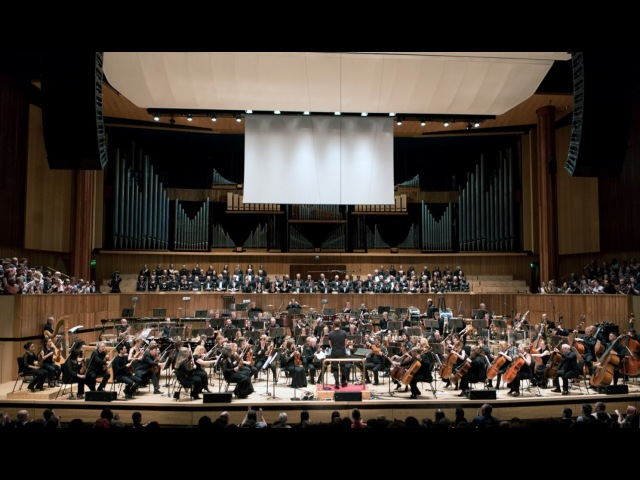 Brian Tyler Conducts Thor The Dark World (Live in London)