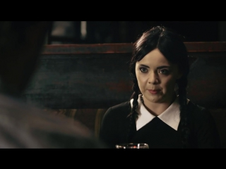 Adult Wednesday Addams s1e3 Internet Date