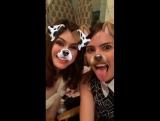 alexdaddario on snapchat: Две идиотки пытаются разобраться со снэпчатом