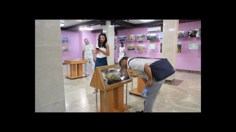В Доме туризма открылась фотовыставка, в рамках тринадцатого Убсунурского международного симпозиума. «Заповедные места» Алтае-С