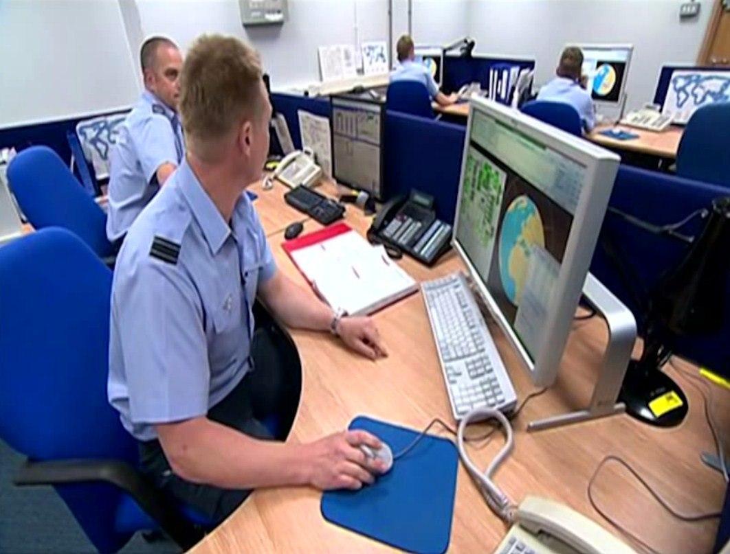 Саймон Паркс об американской военной базе, располагающейся в Великобритании ArSYsmHmAZg
