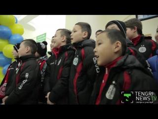 Сборную Казахстана по футзалу встретили с цветами и шашу в Алматы http://tengrinews.kz/tv/novosti/sport/6106/