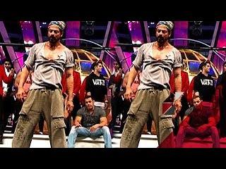 Salman Khan is enjoying Shah Rukh Khan's performance   Bollywood News   #TMT