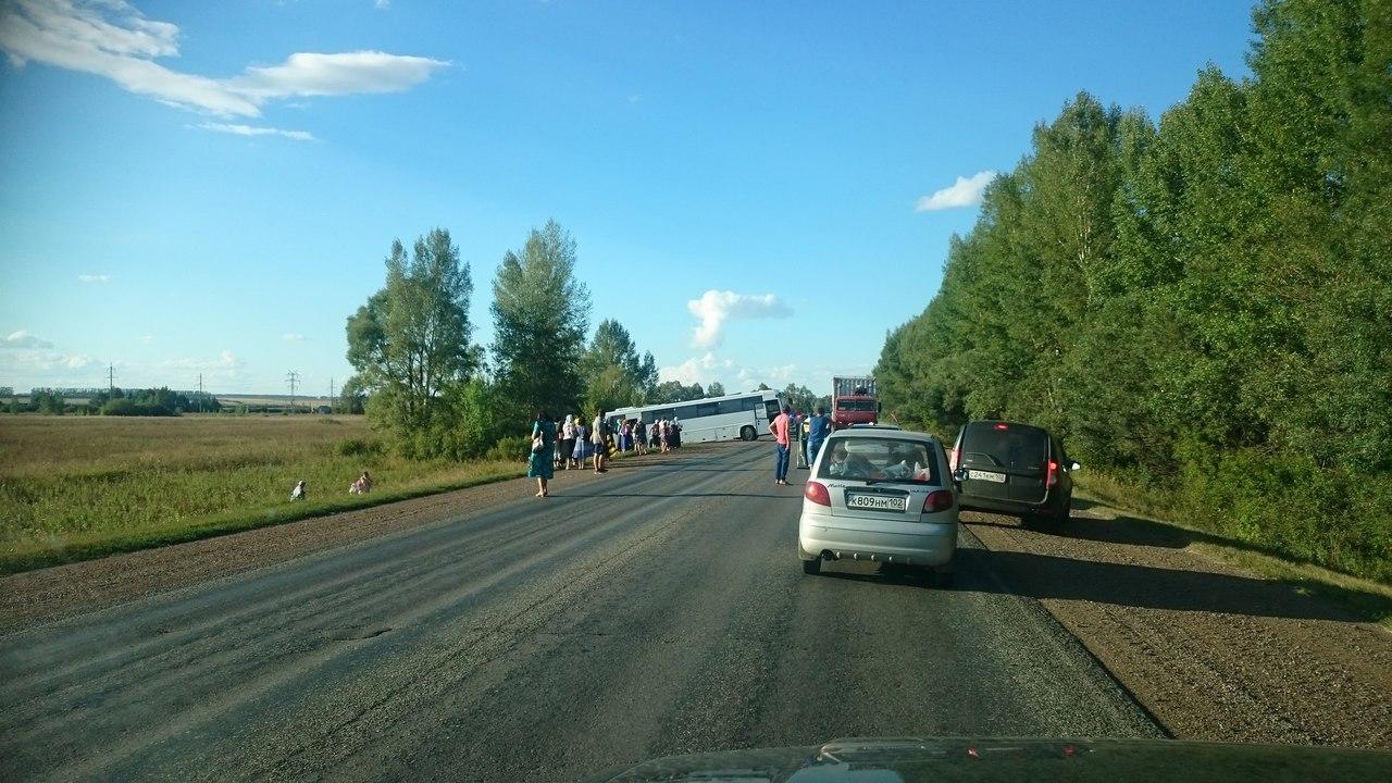 На трассе в Башкирии автобус с паломниками попал в ДТП