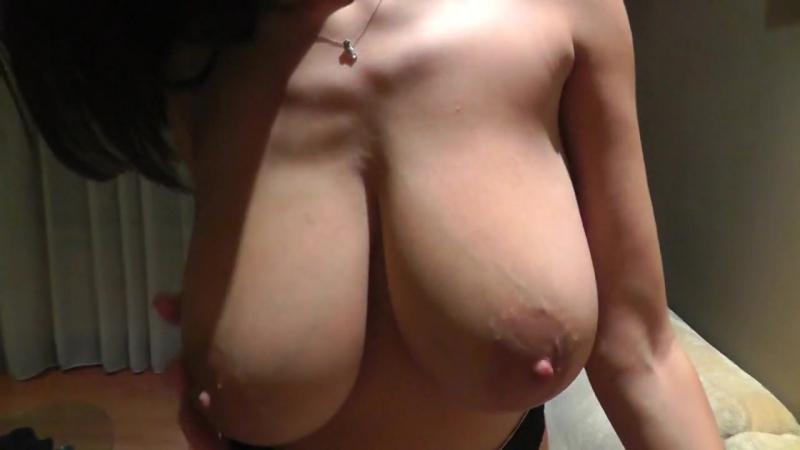 Сосёт и дрочит сыну и дала кончить на киску, sensual private sex POV milf mature wife mom dick (Инцест со зрелыми мамочками 18+)