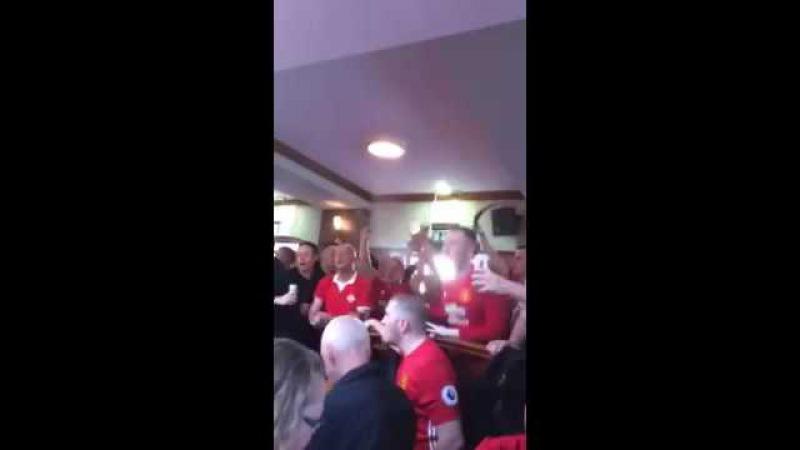 Болельщики Манчестер Юнайтед посвятили песню Генриху Мхитаряну. Henrikh Mkhitaryan Chant