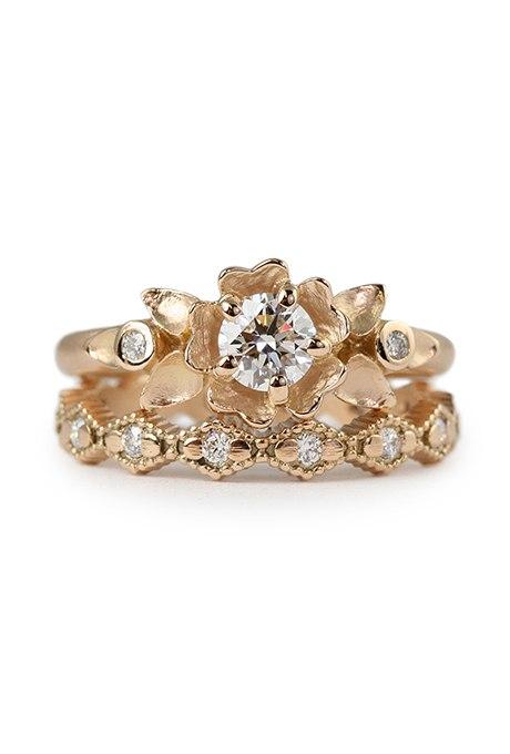 BT1tmOVCtmM - Обручальные кольца из розового золота (27 фото)