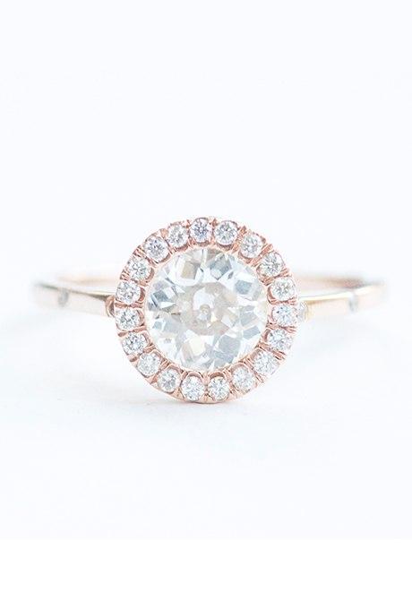 ks6NBy4QvxM - Обручальные кольца из розового золота (27 фото)