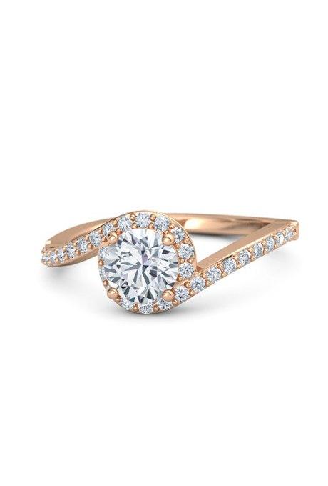 YjL845NbbF8 - Обручальные кольца из розового золота (27 фото)