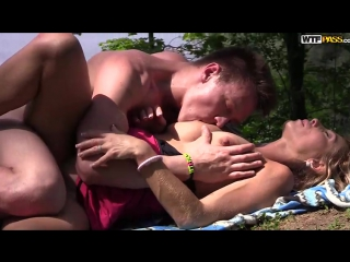 порно милф в лесу фото