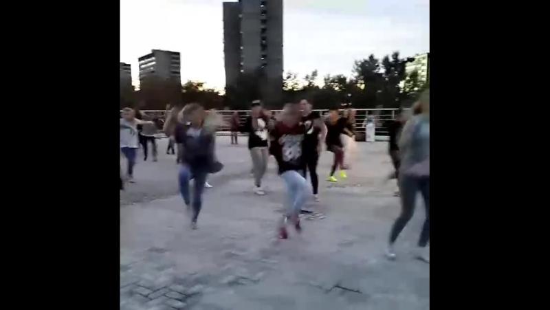 Vse_tancevat