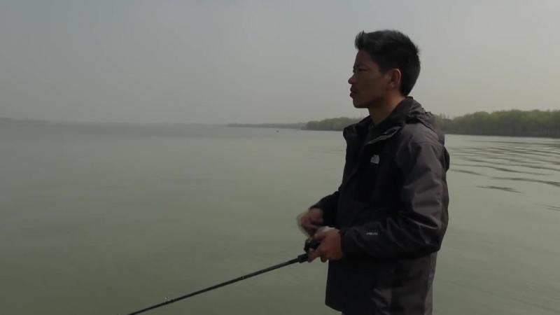 Skygazer fishing on Pearl Lake with Gong Lei