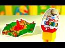 Маша и Медведь Киндер Сюрприз Распаковка игрушки из яичка Внутри юла волчок