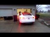 Электромобили Tesla научились самостоятельно парковаться в гараж ?
