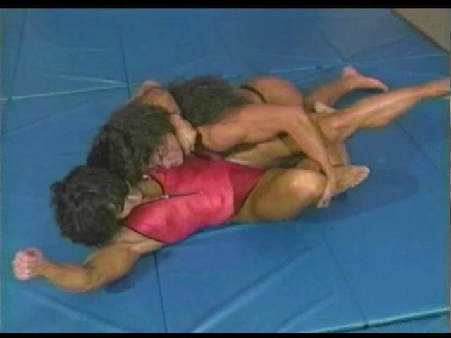 PP186 Kimberly Rogers vs Christa Bauch - Female Wrestler vs Female Bodybuilder