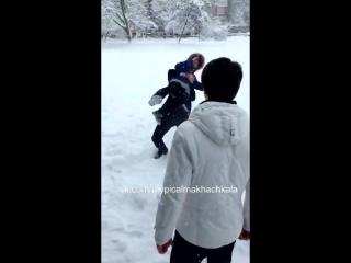 Сама захотела [Нетипичная Махачкала] (кинул в снег)