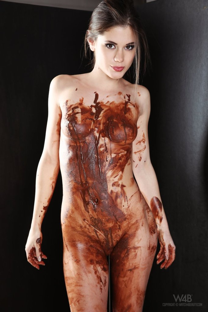 Little Caprice — Chocolate 091