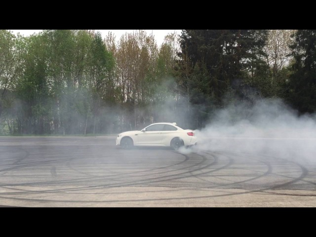 BMW M2 M Performance Exhaust burnout on May 2016 GTBOARD.com Event
