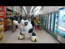 Корова танцует