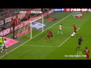 Бавария - Вольфсбург 5:1. Пента-трик Левандовски за 9 минут.