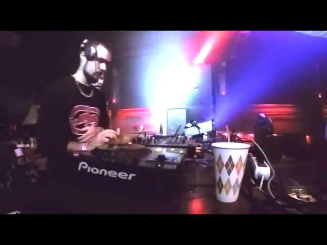 Maxtreem vs. DMC Slimjah - Banana Island Fest@Cinema Club - 07.11.15 (Live RaggaJungle Set)