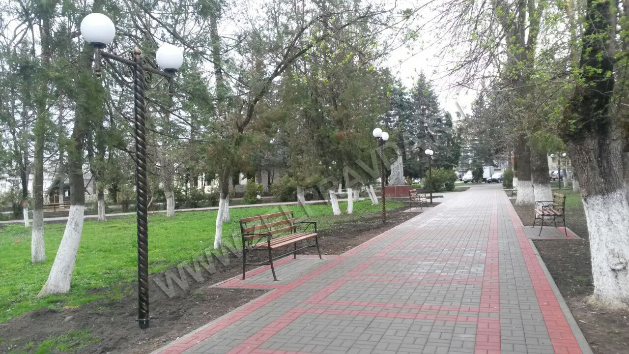 В парке станицы Зеленчукской появилась система освещения