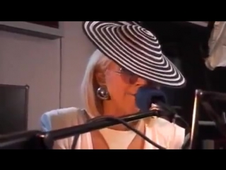 2009 // Lady Gaga > Poker Face Acoustique - BBC Live Lounge (Gagavision.net)