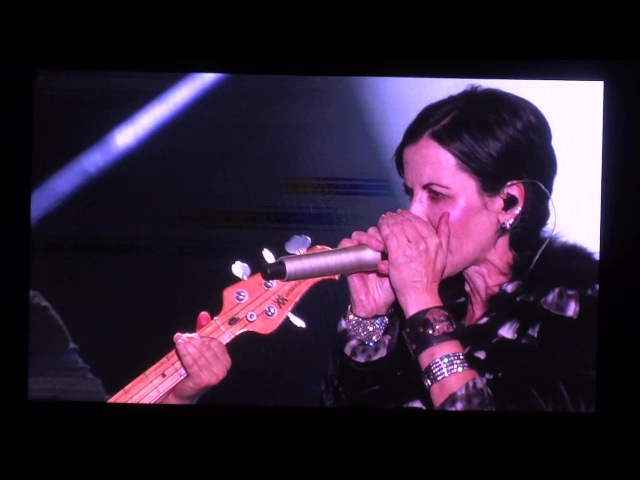 The Cranberries - Ridiculous thoughts @ La Foire aux Vins d'Alsace, Colmar - 12.Aug.2016