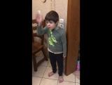 Илья Гульченко. Мальчик защищает мышь и ругает папу.
