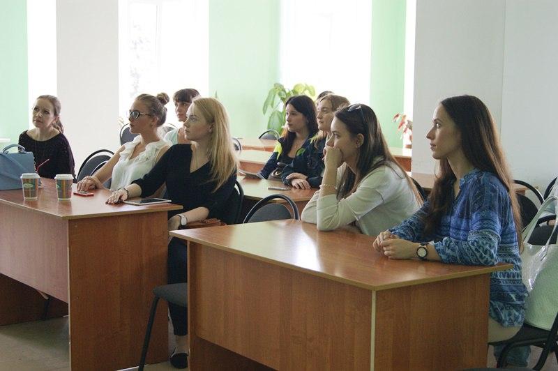 Диплом высшем образовании отзывы irecommend Поэтому решаясь ехать на работу в Прагу будьте готовым перестраиваться на новые условия труда и новые требования к работникам